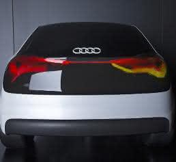 Audi Exponat zur OLED Technologie.