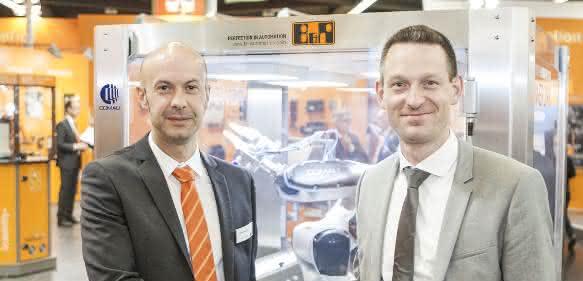 Walter Burgstaller und Tobias Daniel auf der SPS IPC Drives 2015