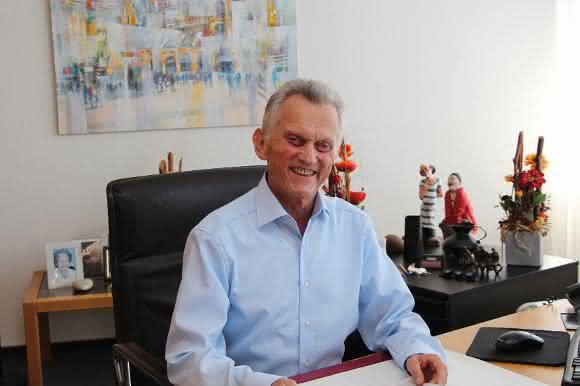 Dr. Peter Reichelt