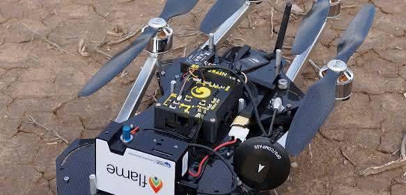 TurboAce Matrix Drohne, die das Miniatur-Spektrometer von Ocean Optics zu den Eruptionssäulen von Vulkanen befördern soll, so dass die Messungen dort durchgeführt werden können.