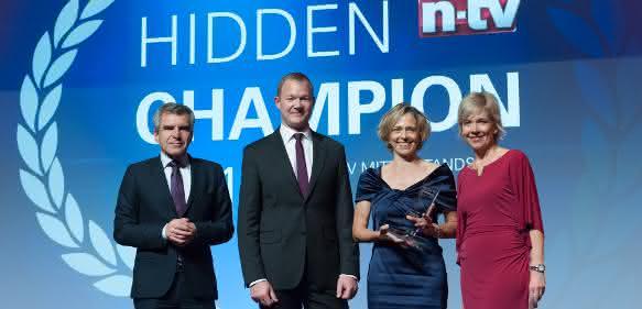 Hans Demmel (Geschäftsführer n-tv), Arne Langer (Leiter Unternehmensstiftung), Jutta Wenzl (Leiterin HR), Corinna Wohlfeil (Moderatorin n-tv), Bild: n-tv/ Andreas Mann