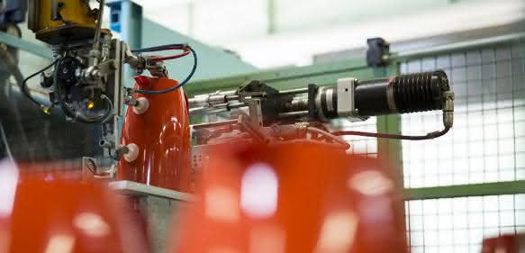 Stein automatisiert Isolierkannen-Produktion bei Emsa