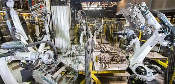 Roboter montieren Kurbelraumkernpakete: Orchester-Harmonie