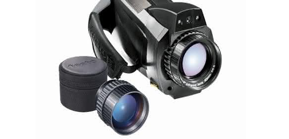 Wärmebildkamera-testo-885-mit-Superteleobjektiv Testo