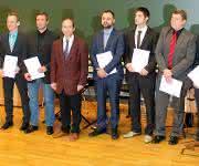 Absolventen des berufsbegleitenden Masterstudiums Angewandte Kunststofftechnik