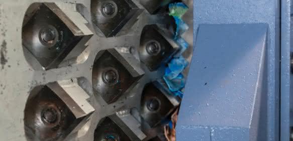 Detail des oszillierenden Shredders der Baureihe HOS für sperrige Teile. (Bilder: Herbold Meckesheim)