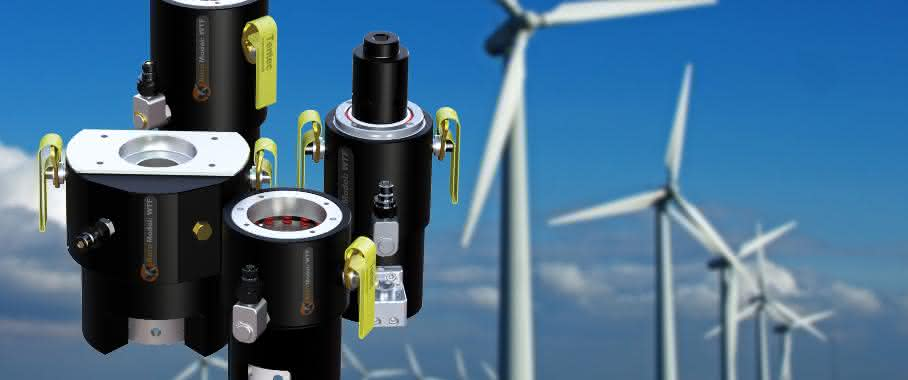 Montage des Turmflansches einer Windkraftanlage
