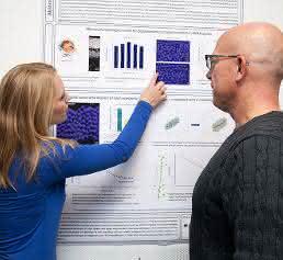 Johanna Mirsch und Prof. Markus Löbrich