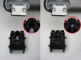 Blauklichtsensor kontrolliert den Erfolg des Montageprozesses