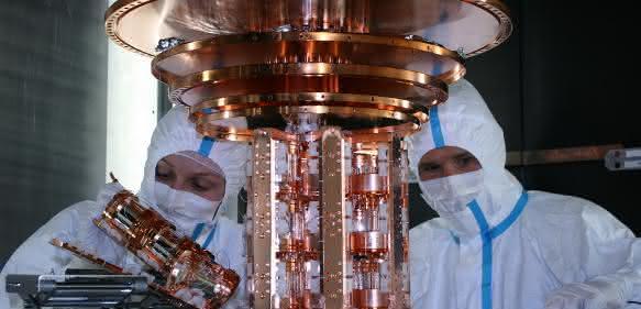 Einbau von Detektormodulen in das CRESST-Experiment. (Foto: MPP)