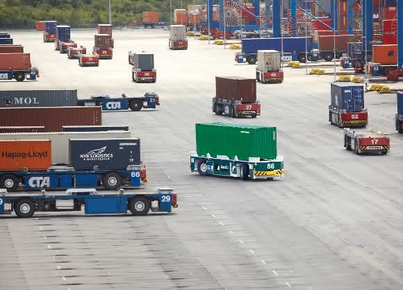 Terex® Gottwald Containertransportfahrzeuge mit hydraulische Achssteuerung HNC100-3x von Rexroth