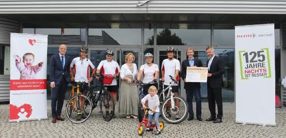 Pfeiffer Vacuum spendet 10.000 Euro an Stiftung KinderHerz