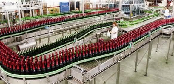 Produktionshalle der Rotkäppchen-Mumm Sektkellerei in Freyburg/Unstrut