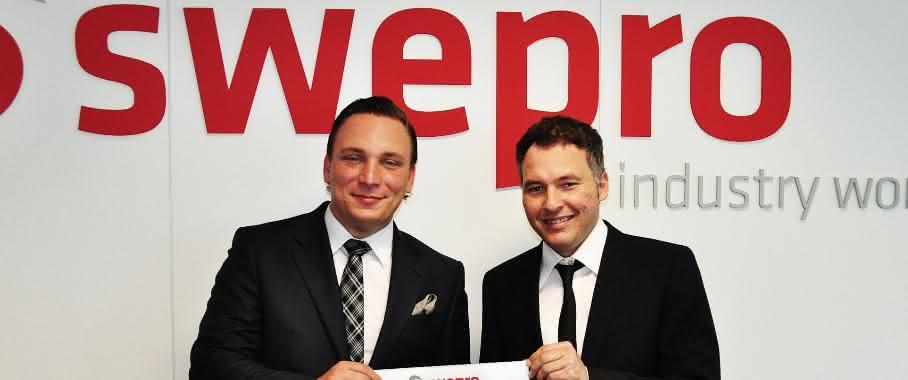 Andreas Lazar und Swepro-Vertriebsleiter Martinez