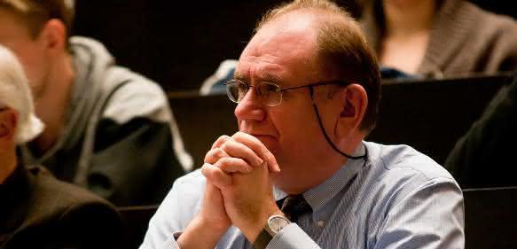 Prof. Dr. Erhard Bremer