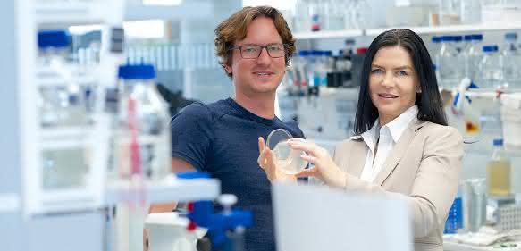 Prof. Dr. Elke Deuerling und Dr. Martin Gamerdinger.