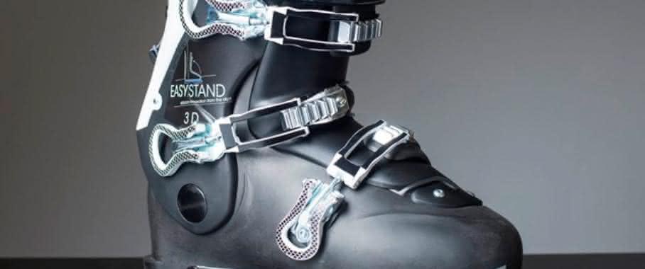 Skistiefel samt drei Inneneinlagen als Prototyp auf der ISPO: Der Schuh kommt aus dem Drucker