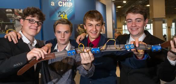 Die Sieger des Wettbewerbs Invent a Chip 2014