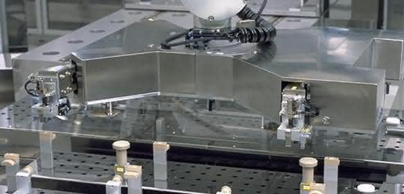 Offene Schnittstelle für Roboter von Stäubli: Die eigene Steuerung nutzen