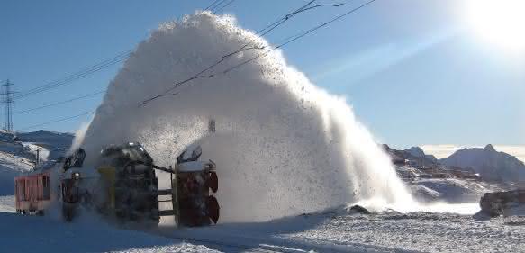 Schneeräumschienenfahrzeuge der Schweizer Firma Zaugg AG Eggiwil