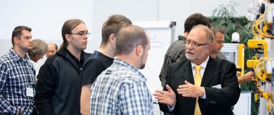 """""""Automation On Tour"""" 2015: Pilz bietet Seminare zur Maschinensicherheit"""