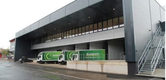 Logistisches Drehkreuz: Oerlikon Leybold Vacuum bezieht neues Logistikzentrum