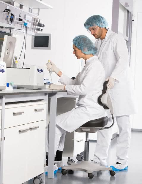 Laborstühle