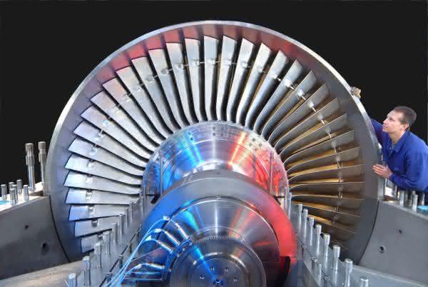 Unsicherheiten trüben Geschäftserwartungen: Leichte Zuwächse für Maschinenbau Ost