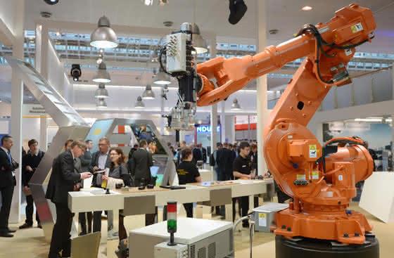 Robotik-Trends: Kollegen aus Stahl auf der Hannover Messe 2015