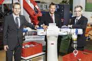 Zweiarm-Roboter vereinzelt Bauteile in Rekordzeit: Fraunhofer IPA gewinnt handling award
