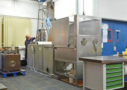 Qualität erhöhen - Arbeitsaufwand senken: TPE und PVC - Formenreinigung mit Ultraschall