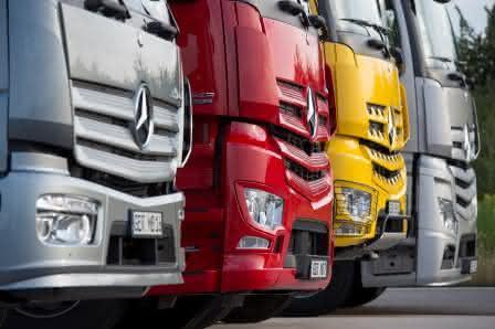 Nutzfahrzeugfinanzierung: Jedes zweite Nutzfahrzeug hat einen Mercedes-Stern