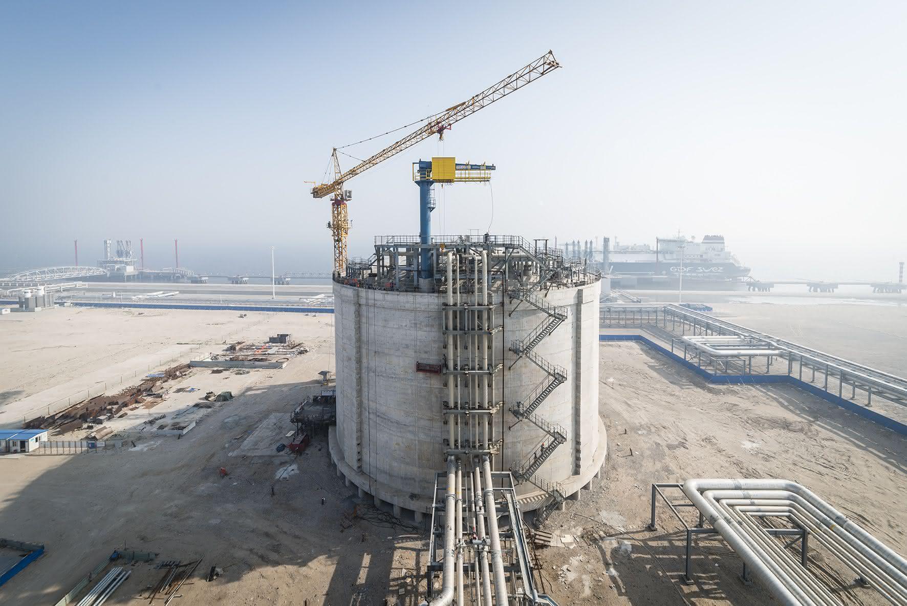 Einsatz bei Flüssiggas-Terminals in China: Spezialhebezeuge von Stahl  Cranesystems