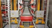 Was besser ist, entscheidet der konkrete Anwendungsfall: Regalbediengerät oder Shuttle?