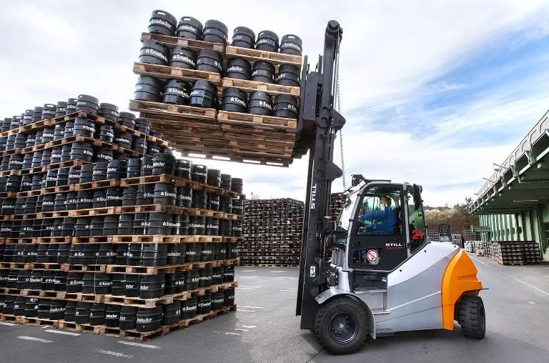 Acht-Tonnen-E-Stapler bei Krombacher in der Felderprobung: Kein Flaschenhals in der Brauerei