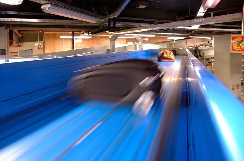 Pilotprojekt am Flughafen Schiphol: Das Gepäck fliegt effizienter