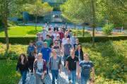 30 neue Lehrlinge und Studenten: Lenze begrüßt Azubis