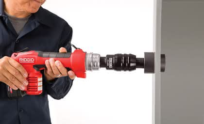 Kombinationswerkzeug: Zum Schneiden,  Pressen und Stanzen