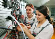Bewerbungsstart für Ausbildungsjahr 2015: Bosch sucht mehr als 1.300 Auszubildende