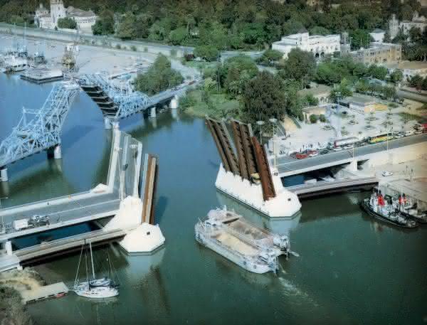 Hydraulikantriebe: Bewegliche Brücken für freie Fahrt