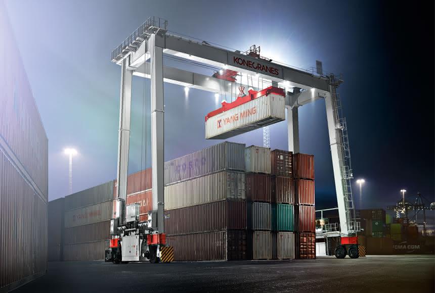 Konecranes mit neuem RTG-Konzept: Fahrer auf Containerhöhe