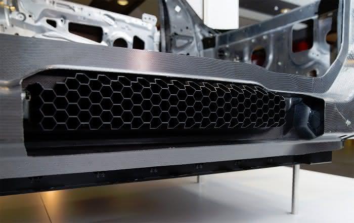 Leichtbau im Automobil: Werkstoffe und Prozesse für Composite-Bauteile