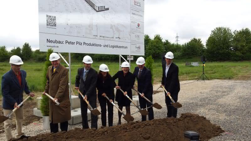 Neues Produktions- und Logistikzentrum: Spatenstich für Pilz Campus in Ostfildern