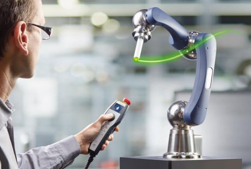 Teaching mit einem Handgriff:: Roboter lernen schneller
