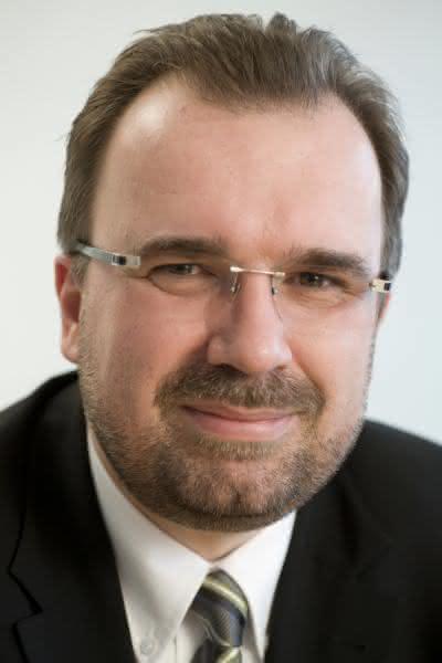 Cyber-Attacken abwehren: Siemens und McAfee kooperieren bei Security Lösungen