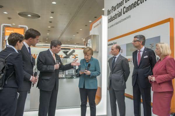 HMI-Rundgang: Angela Merkel besucht Weidmüller