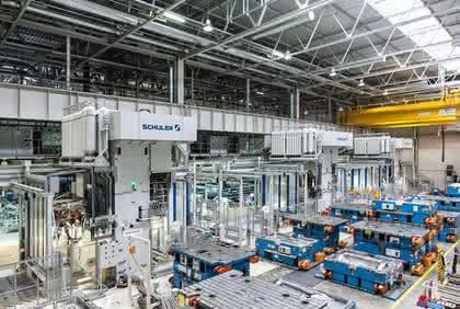 RTM-Pressen: Carbonteile pressen