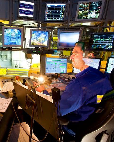 Sicherheit in Produktionsnetzwerken: Produktionsanlagen vor Angriffen aus dem Netz schützen