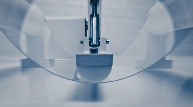 Glassplitter verhindern: Neuer Materialverbund für Displays