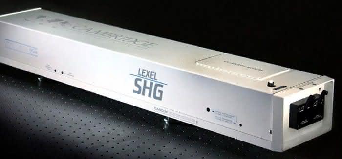 AMS Technologies präsentiert SHG-Ionen-Laser: Für hohe Leistungen im UV-Bereich bei CW-Betrieb
